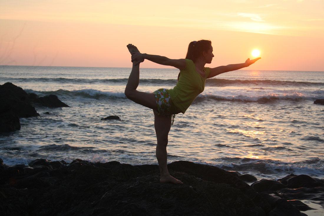 Cours de yoga dans une yourte en vend e for Maison du monde 85 la roche sur yon