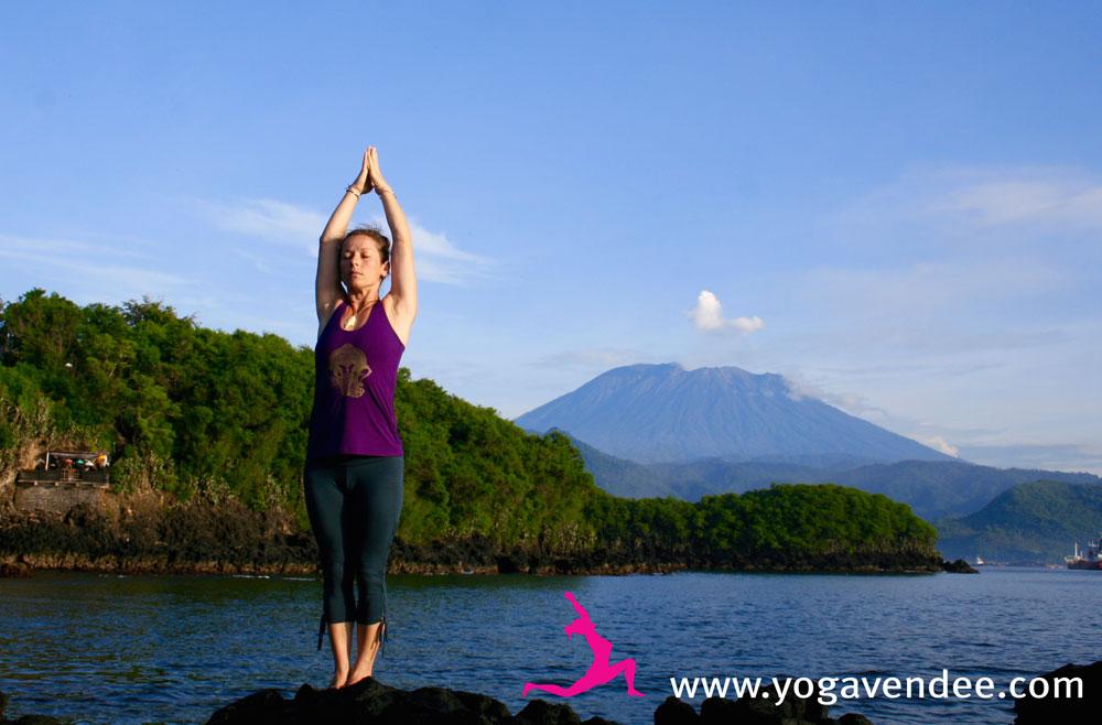 retraite yoga bali volcan agung