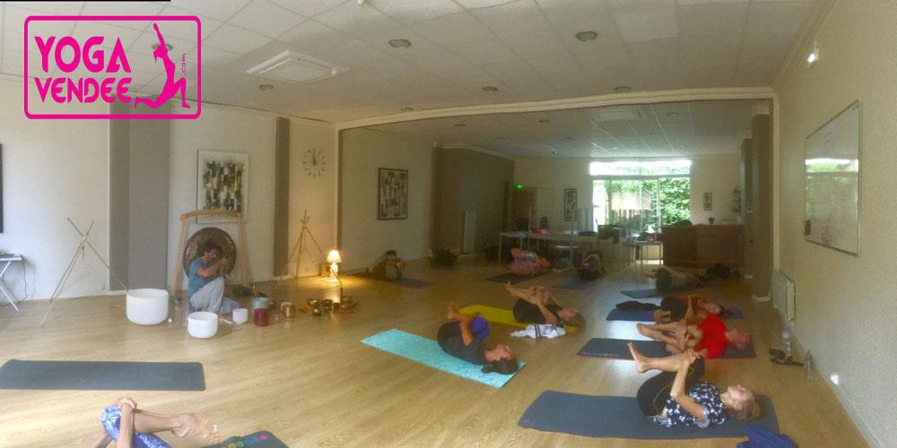 salle de yoga en vendee yoga studio la roche sur yon cours de yoga