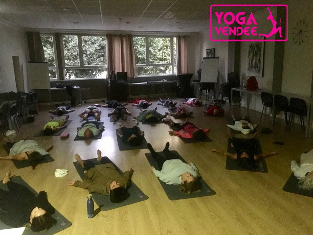 salle de yoga yoga studio vendee la roche sur yon cours de yoga